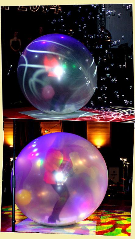 live in einem großen Luftballon spielt Kathrin