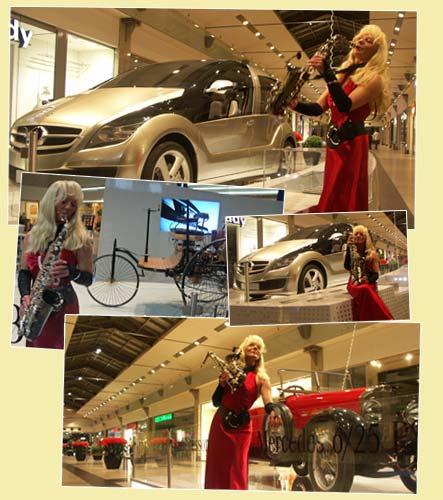 Saxophonist - Zeitreise der Innovationen bei Mercedes Benz